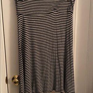 Stripe Gray and black LulaRoe skirt